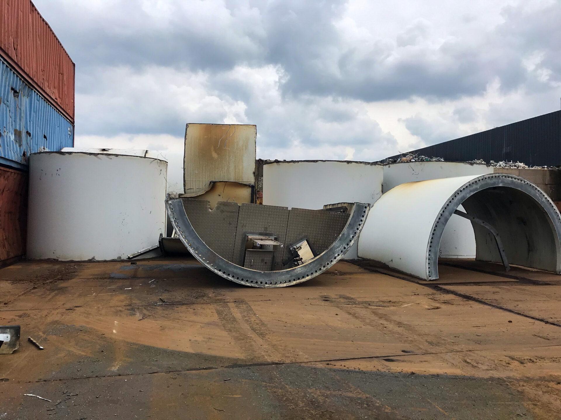 dismantle wind turbines