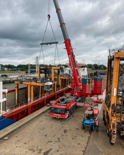 dismantling straddle carriers
